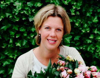 Hi my name is Saskia. Are you interested in flowers, gardens, travel and international green events? Follow my blog.